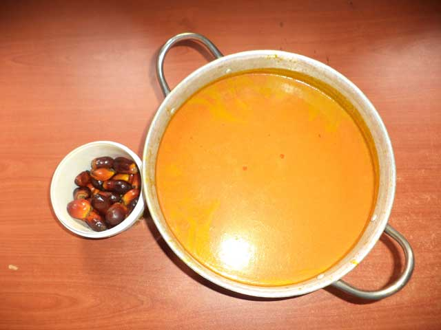 Banga fruit and washed oil palm juice